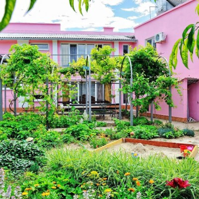 Гостевой дом «Розовый фламинго» у мыса Казантип, здание, фото 1