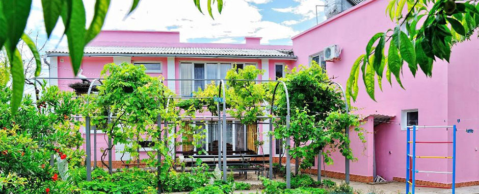 Отель Розовый фламинго в Крыму на Азовском море, фото 1